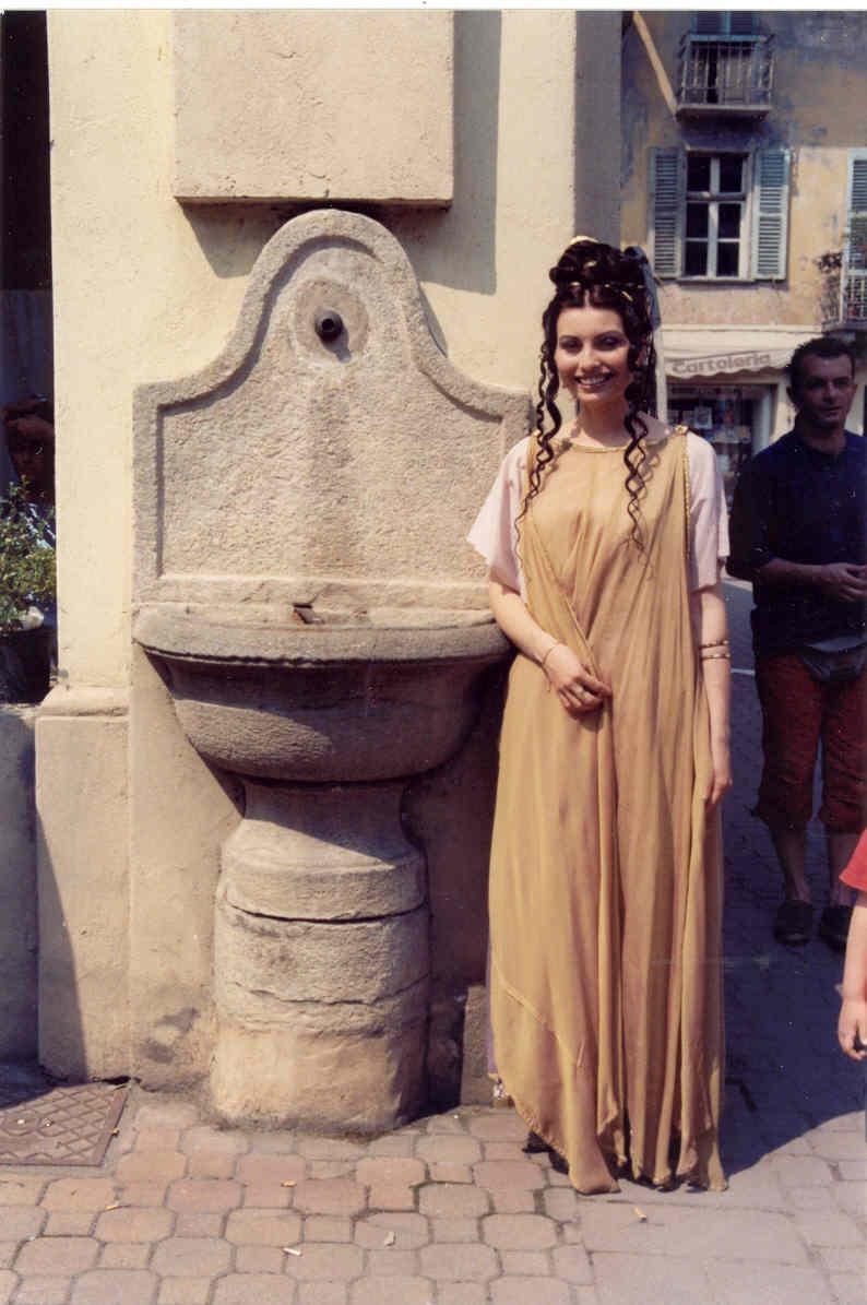 Costumi principessa valentina for Principessa romana